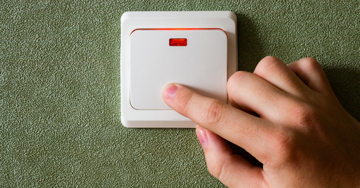 Turning light switch off to save energy